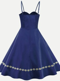 Vinfemass Retro Solid Embroidery Flowers Sleeveless Strap Plus Size Skater Dress
