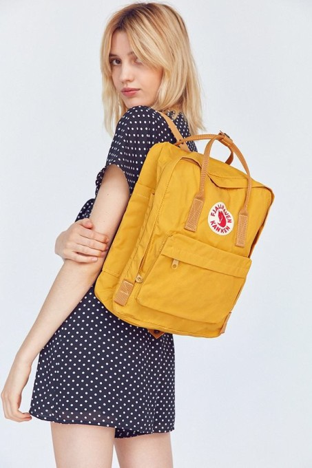 fjallraven kanken backpacks / yellow
