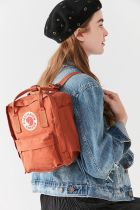 fjallraven kanken backpacks / brown