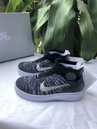 Youth (Kids) Air Force 1 Sneaker Size 28-35