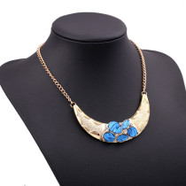 Moon Shap Exaggerated Ladies Beautiful Necklace
