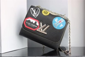large louis vuitton  handbag Denim M size adjustable chain size 23*18*8cm